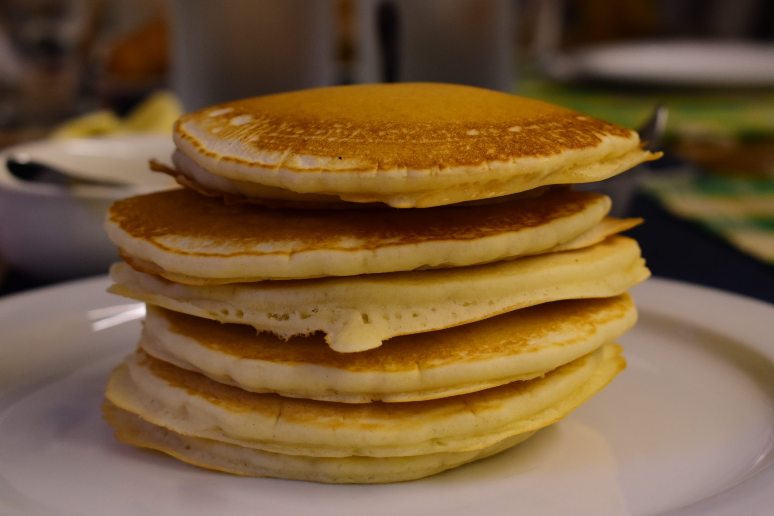 Light eggless and lactose-free pancakes