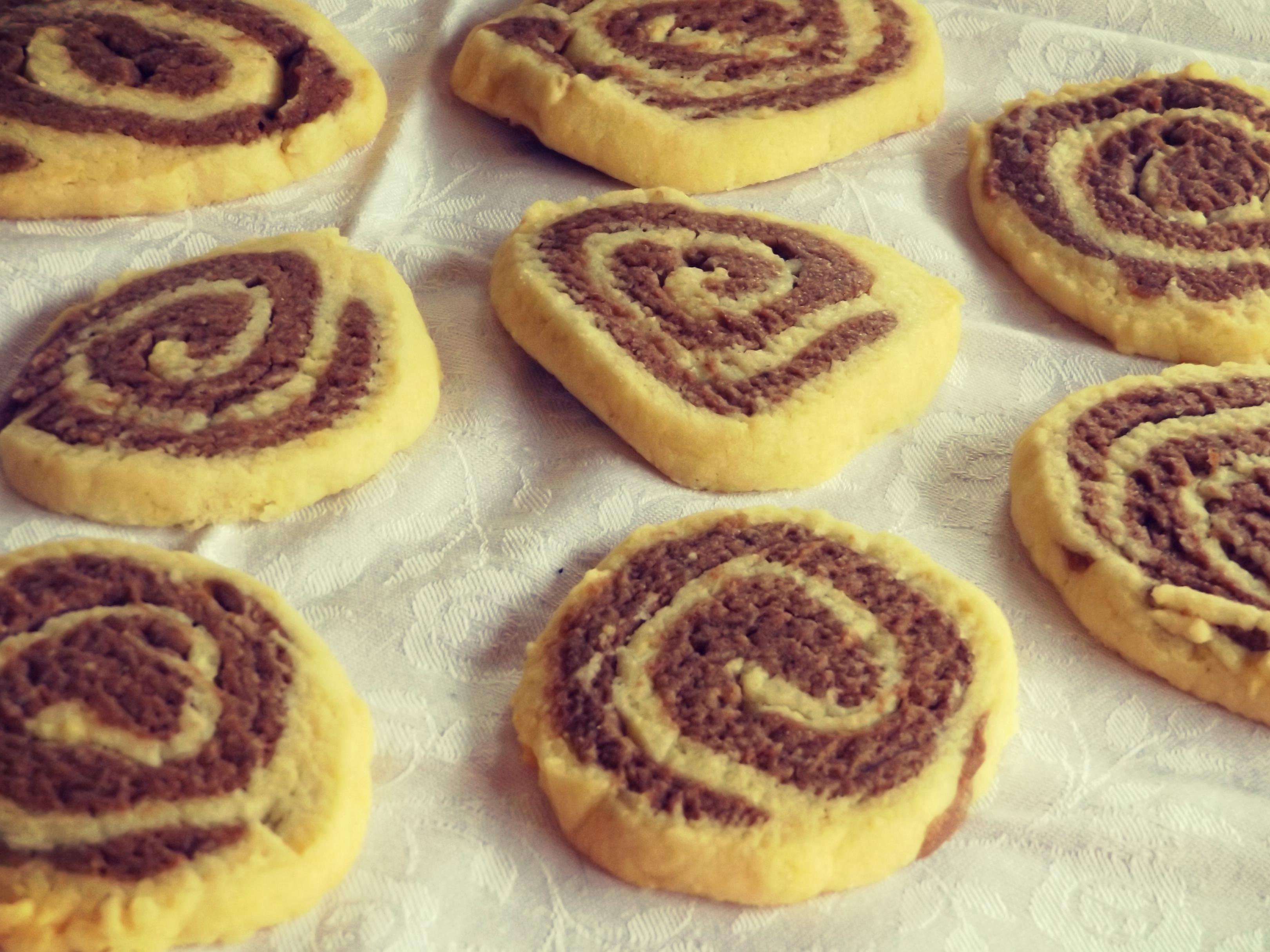 Two-tone shortbread cookies