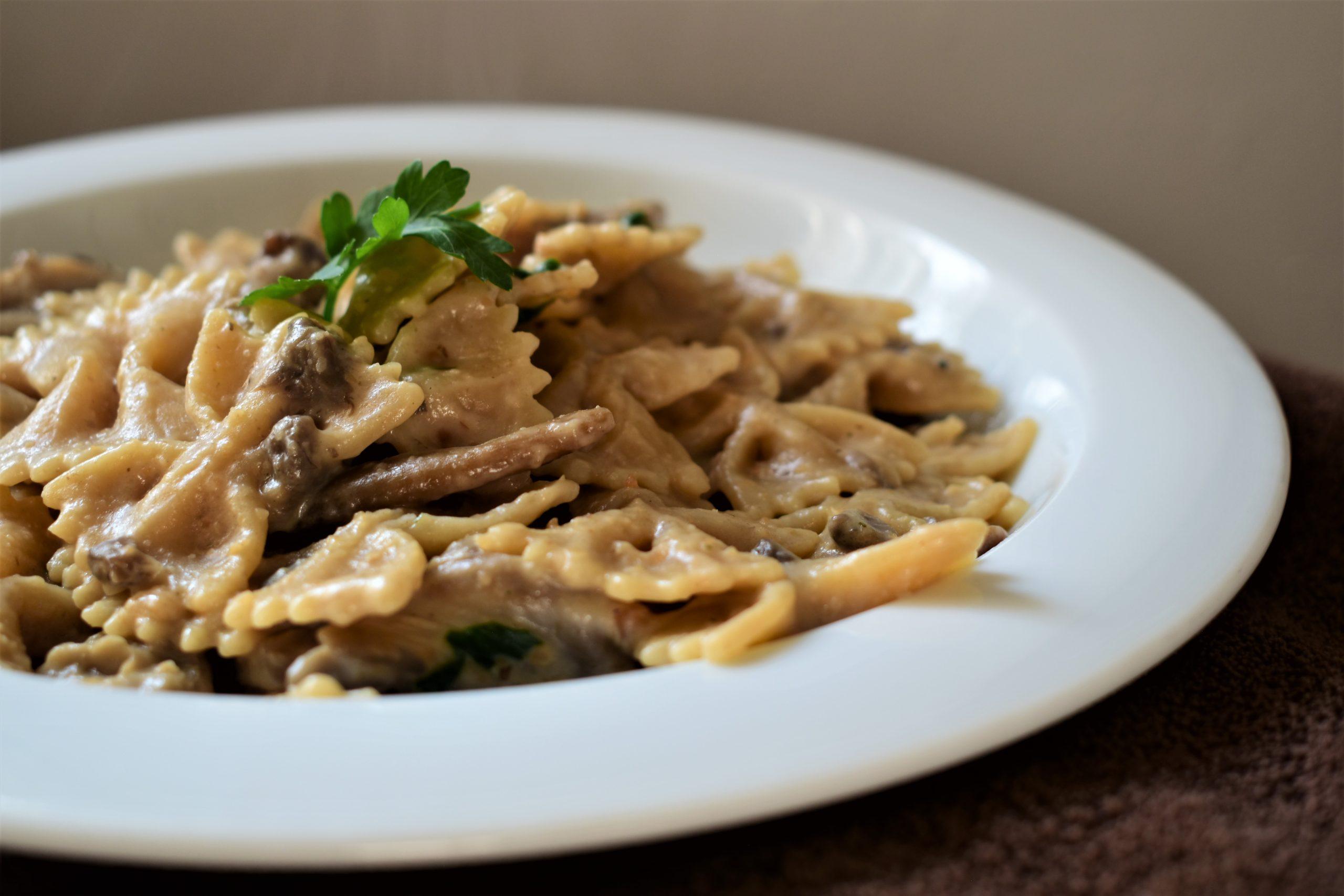 Peanut bechamel and mushrooms pasta