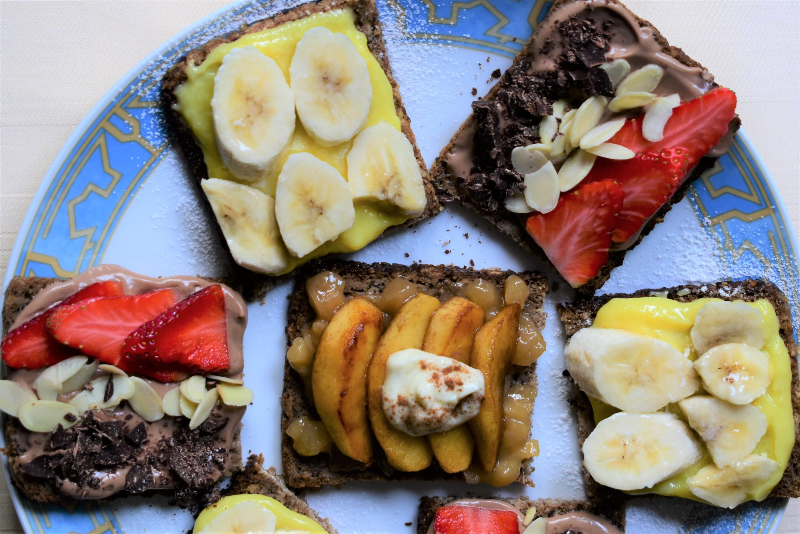3 sweet Smørrebrød ideas for breakfast