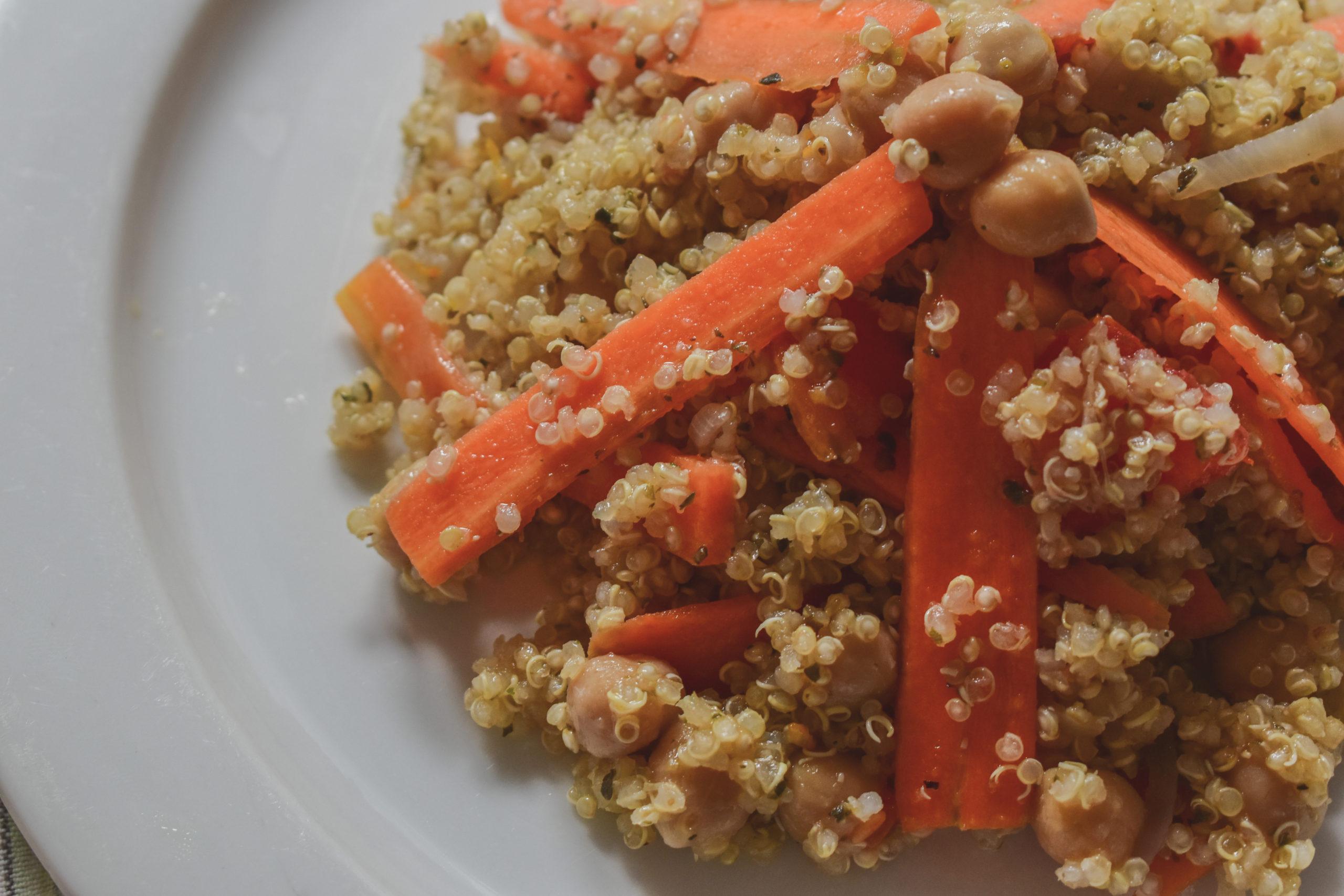 Quinoa and chickpeas salad