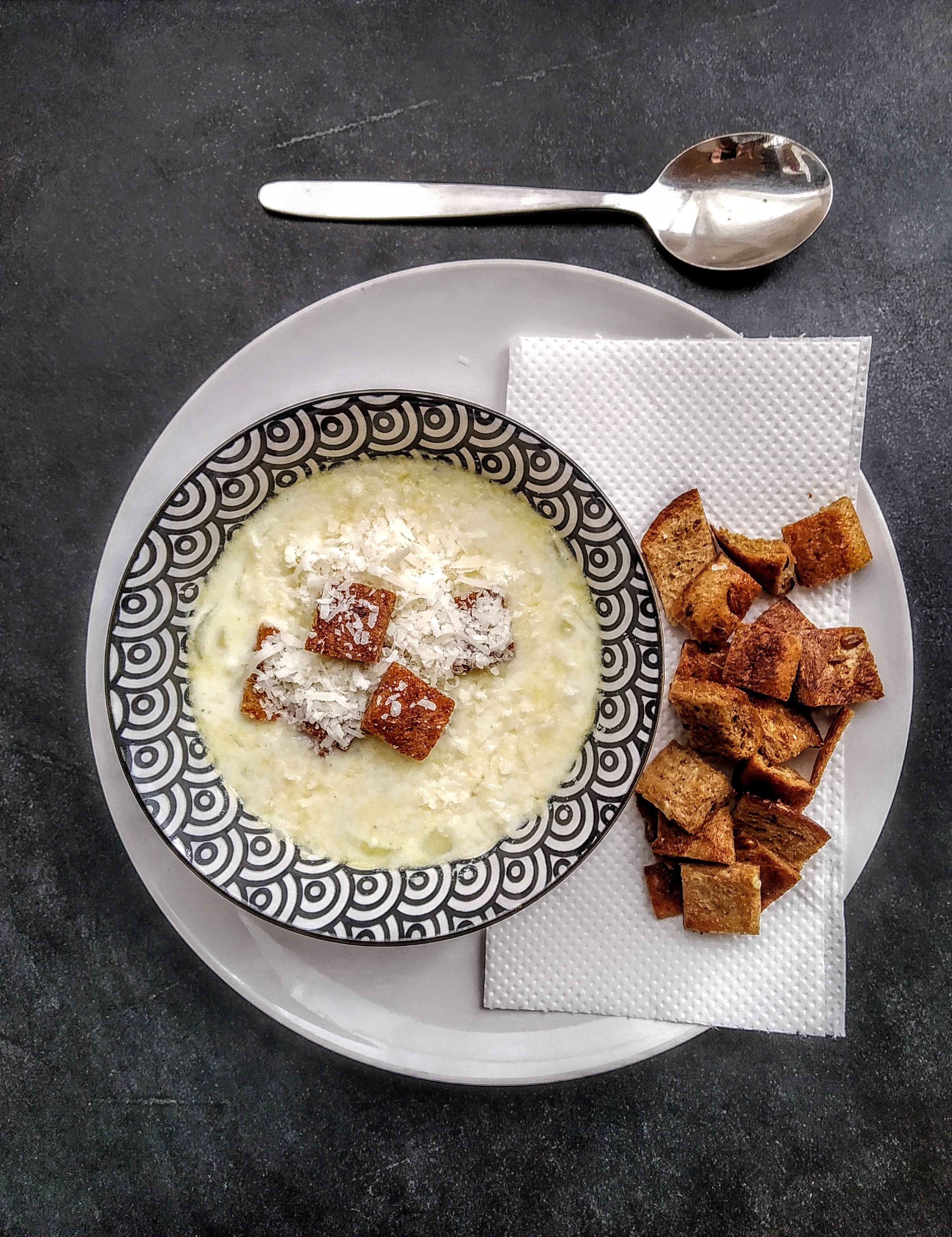 Milk & onion soup